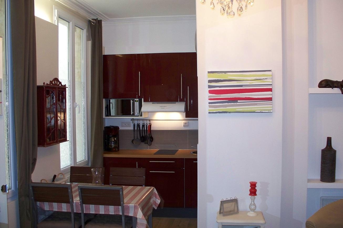 Amenagement cuisine studio optimisez les rangements de for Amenagement cuisine provencale